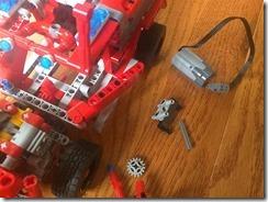 Lego42075-PF-07